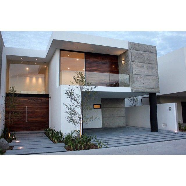 Las 25 mejores ideas sobre fachadas de casas for Frentes de casas minimalistas