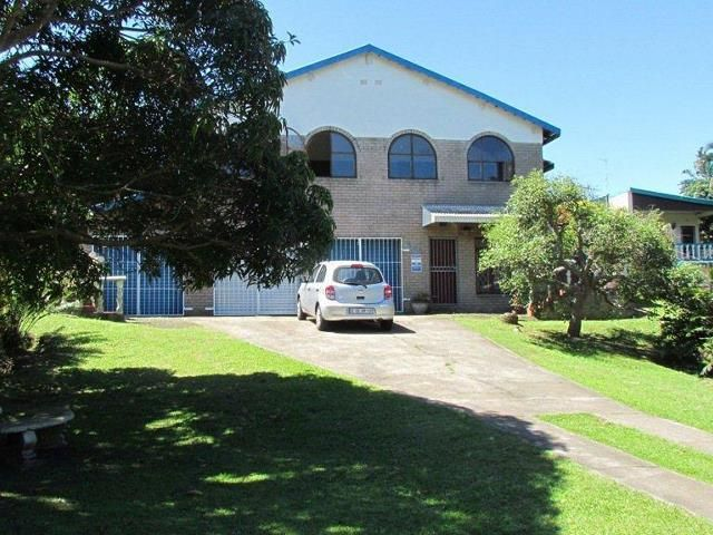 4 bedroom House for sale in Sunwich Port for R 900 000 with web reference 103339274 - Proprop Hibiscus Coast