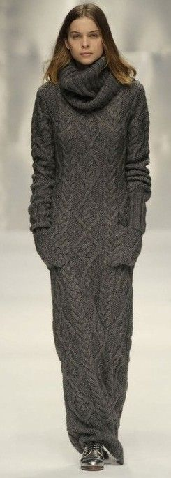 comfy sweaterdress - wow, that's a lot of knitting…:)