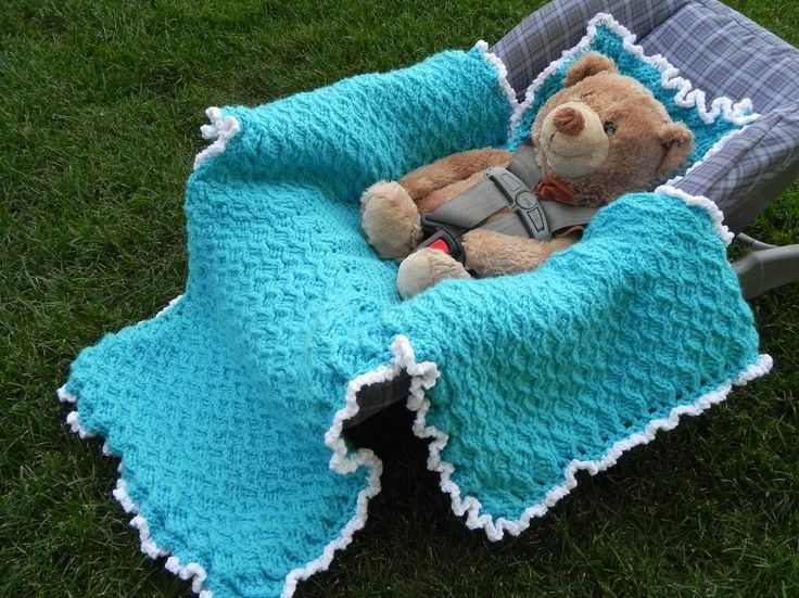 Crocheting: Winter Car Seat Blanket