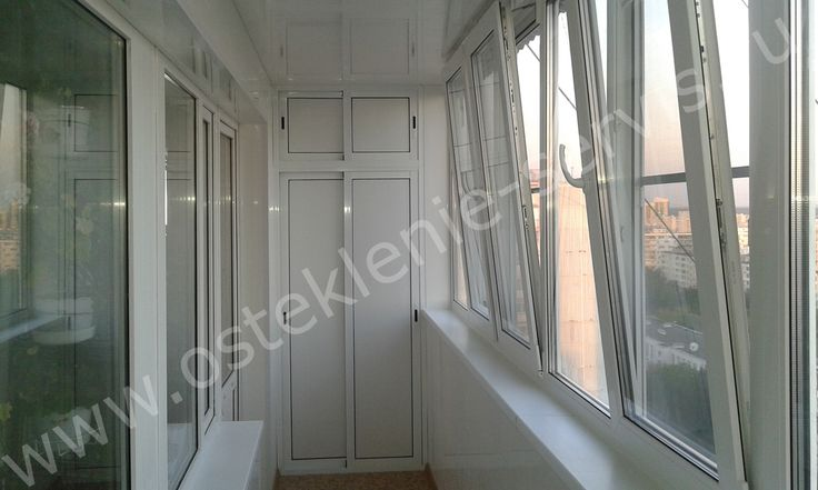 Отделка балкона ламинированными панелями белого цвета