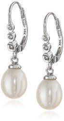 Beautiful pearl drop earrings!