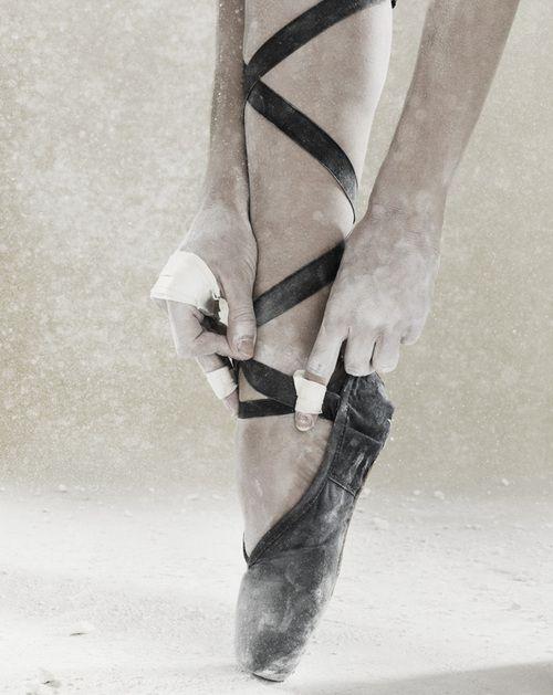 .: Pointe Shoes, Inspiration, En Pointe, Hard Work, Ballerina, Black, Ballet Shoe, Photography
