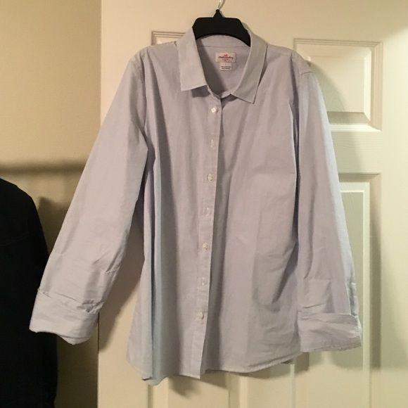 J crew women's Oxford shirt Blue and white women's Oxford shirt. Great top for work! J. Crew Tops Button Down Shirts