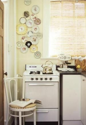 Hanging plates: perfect for an urban country style by TheSnow