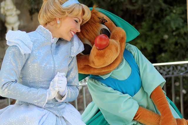 Adorable photo of Cinderella and Suzy by #BrookePearce
