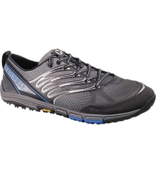 Merrellin Ascend Glove -juoksukengät on tehty talven lenkeille! Saatavilla Gore-Tex -pinnalla tai ilman. Sh. 179,00 euroa.