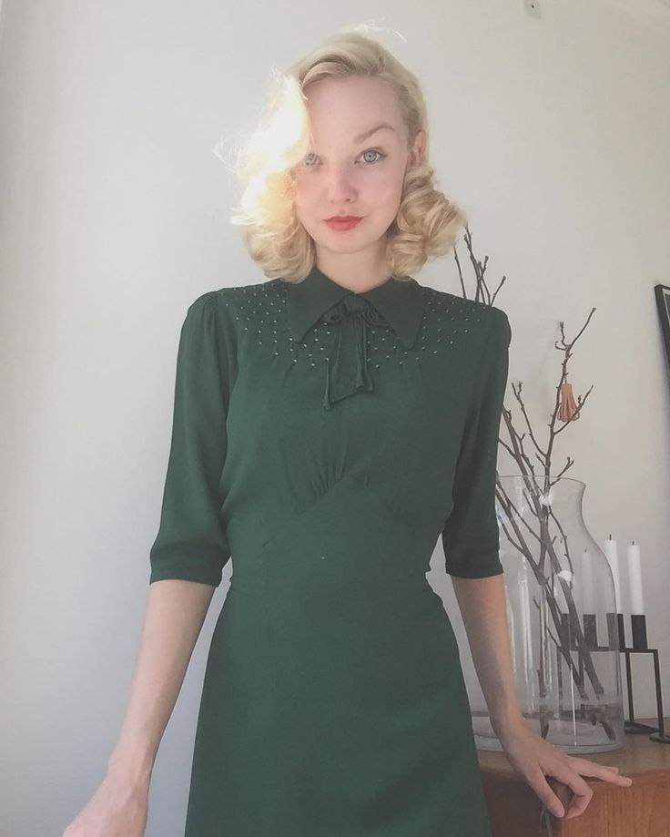 1930s emerald green dress, from Ida Cathrine (@idacath) on Instagram. #truevintage