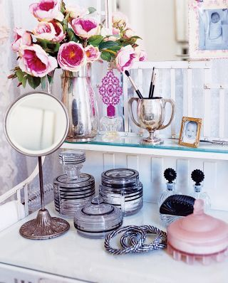 Cute Dressing Table Decoration