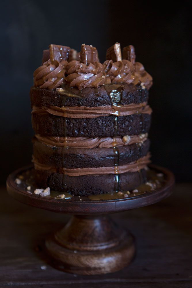 Four layers of rich chocolate cake, the ultimate whipped chocolate buttercream, Heath candy bars, and caramel sauce combine for one of the best cakes you will ever try. My Chocolate Heath Bar Cake is a keeper! To make this cake you will need: Chocolate cake recipe – prepare cake in two 6-inch round cake pans...