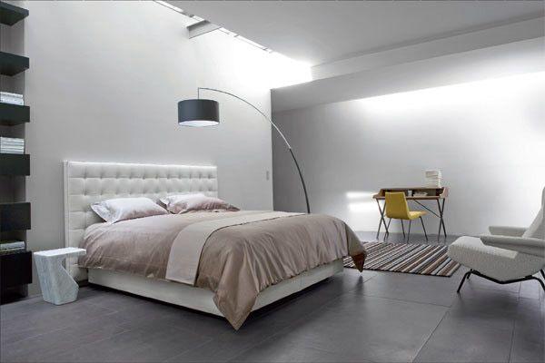 Nador, il nuovo letto con testata ad imbottitura trapuntata realizzato da Ligne Roset