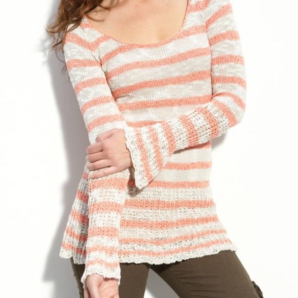 FINAL SALEFree People 'KIWI' Sweater NWT Free People sweater // extremely soft yet lightweight // has some stretch to it so even though it's an XS, it could fit a small as well Free People Sweaters