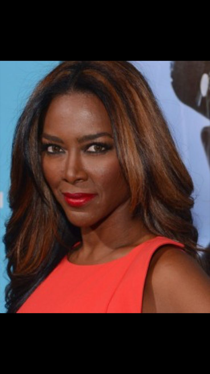 Black women with highlighted hair - Black Women With Highlights In Hair Photos Of Celebrity Black Women With Highlights Aisha Tyler Kenya Moore Serena Williams Kelly Rowland