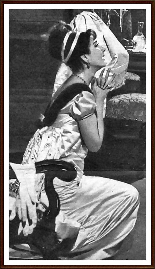 1958 2 gennaio Roma Teatro dell'Opera Norma (Ruolo del titolo) da sinistra: Margherita Wallmann (Regia) Gabriele Santini (Direttore) Maria Franco Corelli (Pollione) Miriam Pirazzini (Adalgisa) Giulio Neri (Oroveso) Benché in teatro fosse presente il Presidente della Repubblica Giovanni Gronchi, Maria denunciando un mal di gola canta soltanto nel primo atto. La direzione si vide costretta a sospendere la recita, tuttavia, considerò l'episodio un capriccio della diva. Anni dopo, Maria v...
