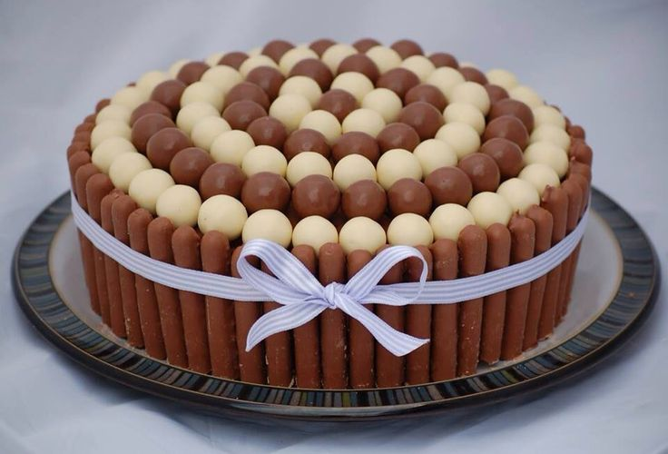 Maltesers and Fingers topping cake
