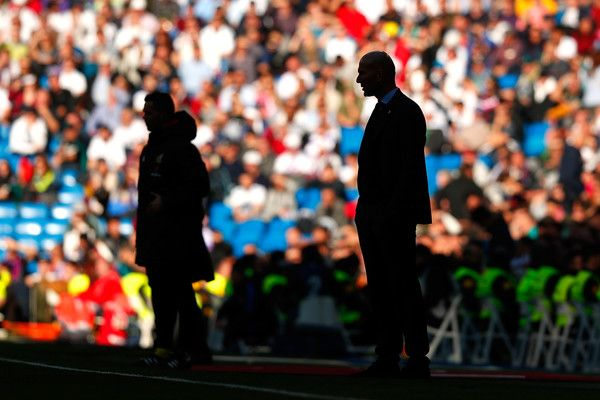 Zinedine Zidane, Manager of Real Madrid looks on during the La Liga match between Real Madrid and Barcelona at Estadio Santiago Bernabeu on December 23, 2017 in Madrid, Spain.