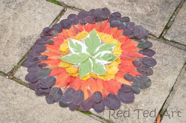 Exploring Great Artists with kids - Andy Goldsworthy perfect for Fall! Via www.redtedart.com