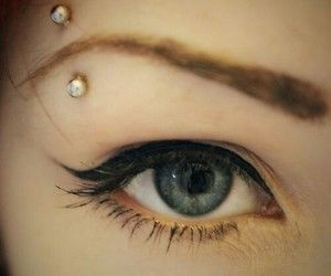 Simple and Cute Eyebrow Piercing