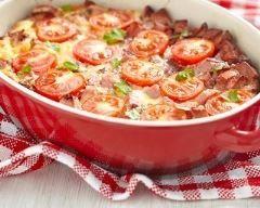 Gratin croustillant de tomates au jambon : http://www.cuisineaz.com/recettes/gratin-croustillant-de-tomates-au-jambon-5819.aspx