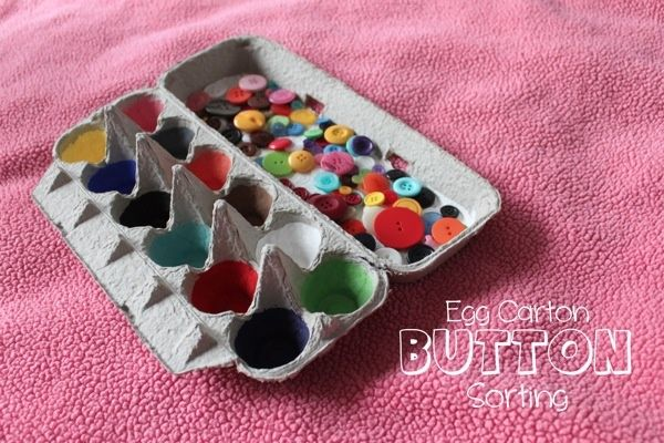 Egg Carton Button Sorting Game | great idea for preschoolers to practice colors