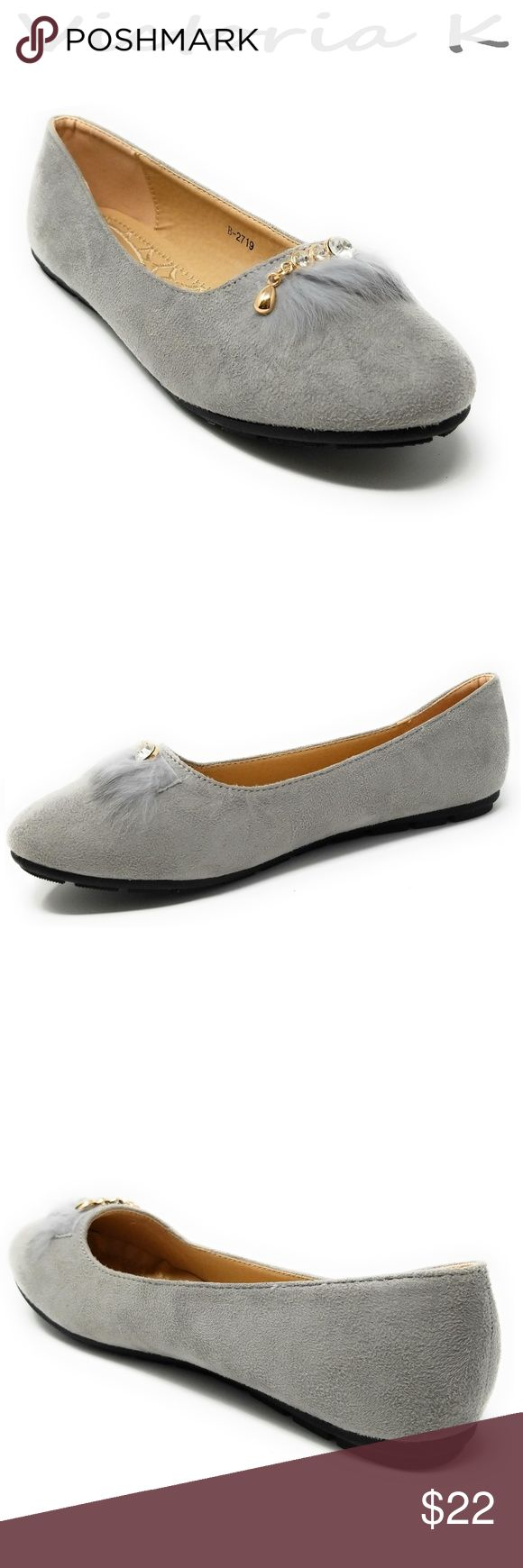 """Women Feather Embellished Buckle Flats, B2719 Gray Brand new woman beautiful flats with a feather embellished crystal studded buckle. Diligently crafted from glossy faux leather upper with extra soft insoles and a textured rubberized outer sole for traction.  Measurements: sizes 6 through 8 are true to size. Sizes 8.5 - 11 run small. Standard 3 """" width. Size 8 measures 9.5 inches, sz 8.5 - 9 3/4"""", sz 9 - 10"""", sz 10 - 10.5"""", size 11 fits a true size 9.5 wearer. Slip it on and make a true…"""