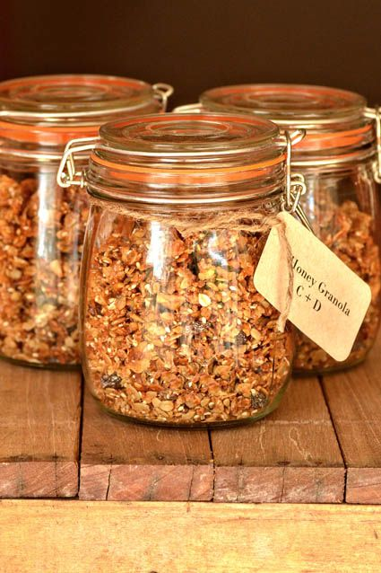 Homeade granola=favors/gifts
