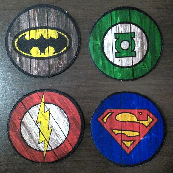 4 Porta-Copos Heróis DC Emborrachados                                                                                                                                                                                 Mais