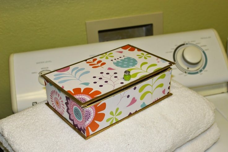Centsible Creativities/ Easy dryer sheet storage box