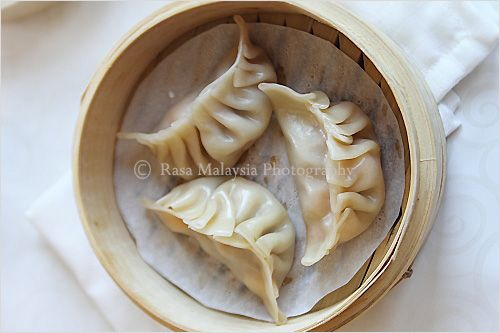 Steamed Dumplings | Steamed Dumplings Recipe | Easy Asian Recipes at RasaMalaysia.com