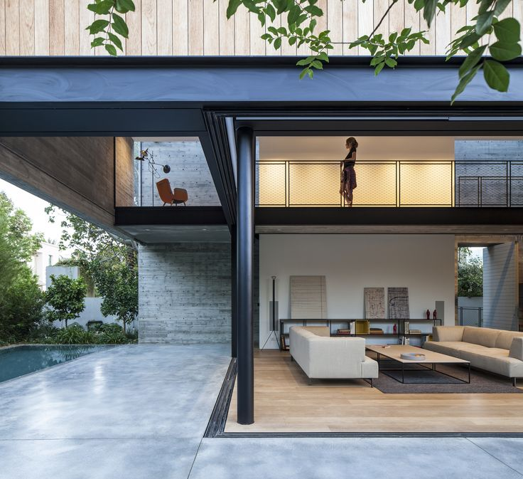 Image 1 of 30 from gallery of SB House / Pitsou Kedem Architects. Photograph by Amit Geron