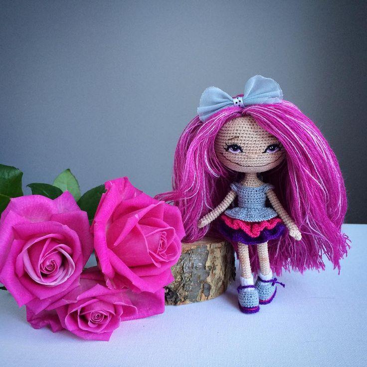 """Розовые розы Светке Соколовой....  Девочка при доме. Дочь сказала -это """"Мальвина"""" часть вторая: """"Малиновые волосы"""""""