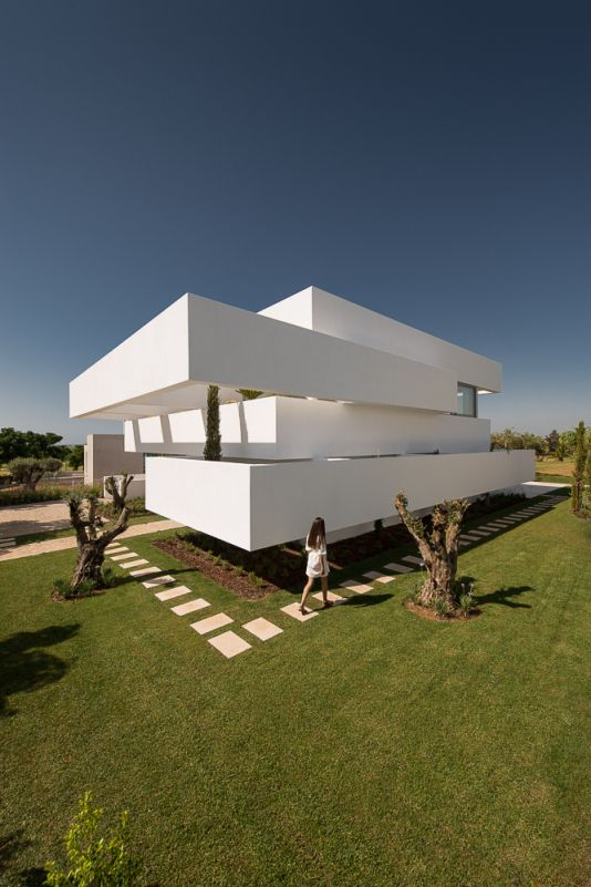 FIVE TERRACES AND A GARDEN BY CORPO ATELIER – casalibrary