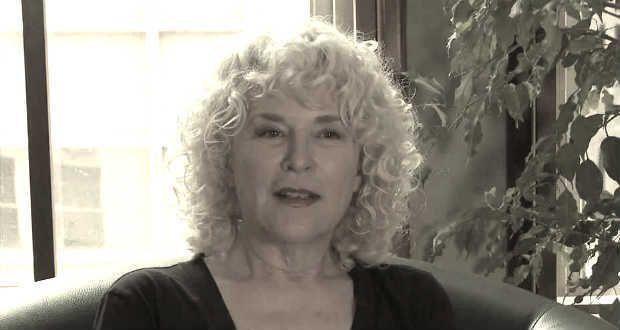 Margaret Whitton Nude Photos 35