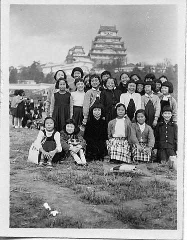 1955年頃かな? 姫路城 遠足