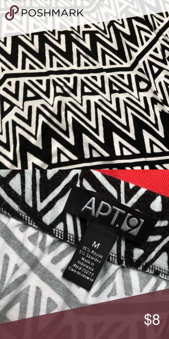 Black and White Aztec Print Maxi Skirt Black and white Aztec print skirt from apt 9, elastic waist with side slit. EUC Apt. 9 Skirts Maxi