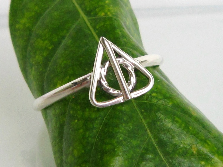 Deathly Hallows - Solid Sterling silver ring: Purity Rings, Death Hallows, Solid Sterling, Harry Potter, Awesome Napkins, Sterling Silver Rings, Deathly Hallows, Hallows Rings, Eye