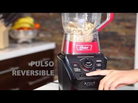 Transforma almendras en harina con la Licuadora Oster® Xpert Series™