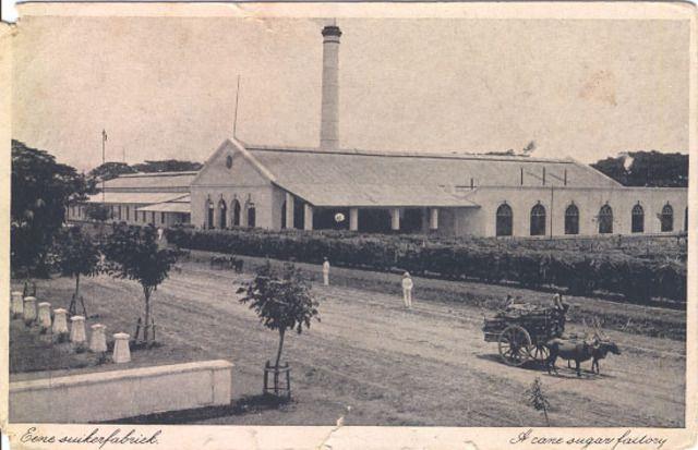 Eene suikerfabriek (A cane sugar factory), Java, Indonesia