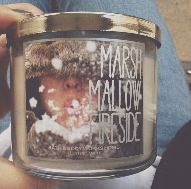 Bath and body works winter candles <3