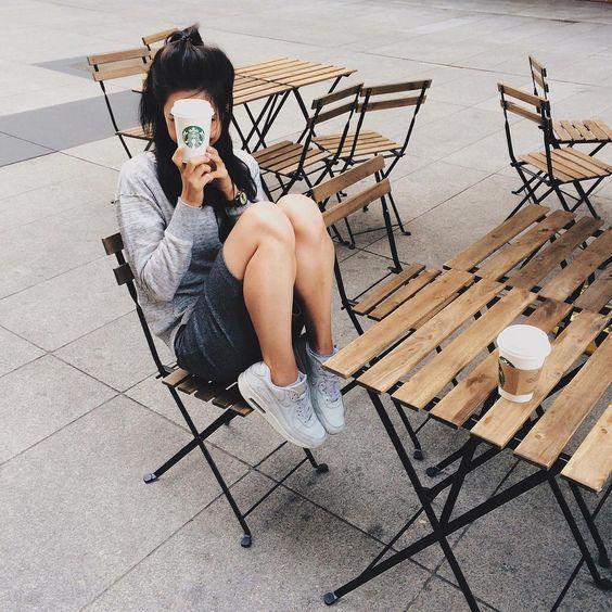 Selfies que debes tomarte cuando vayas por un cafecito
