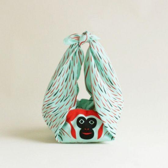 ぶらさがりコチャエ「サル」 - CINRA.STORE - iPhoneケース,雑貨,ファッション,文房具,プレゼントのショッピングサイト
