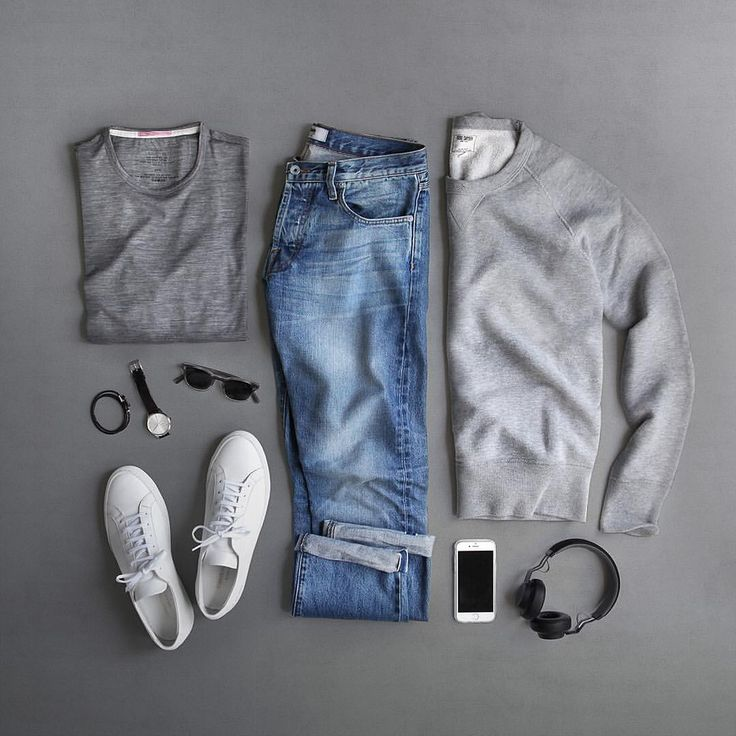 "11.9k Likes, 118 Comments - Phil Cohen (@thepacman82) on Instagram: ""Monday. Just the basics.  T-Shirt: @apolis Transit Issue Merino Sweatshirt: @toddsnyderny Shoes:…"""