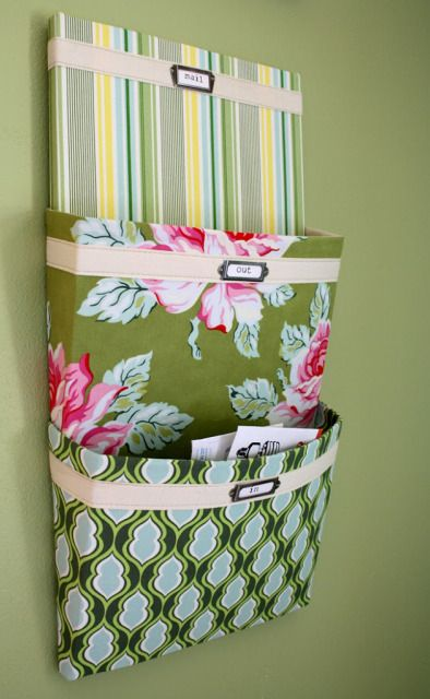 Free fat quarter project: create a hanging mail organizer.