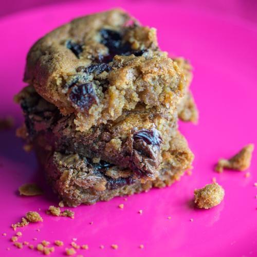 Cherry Nutella Blondies | Cherry pie filling and chocolate hazelnut ...
