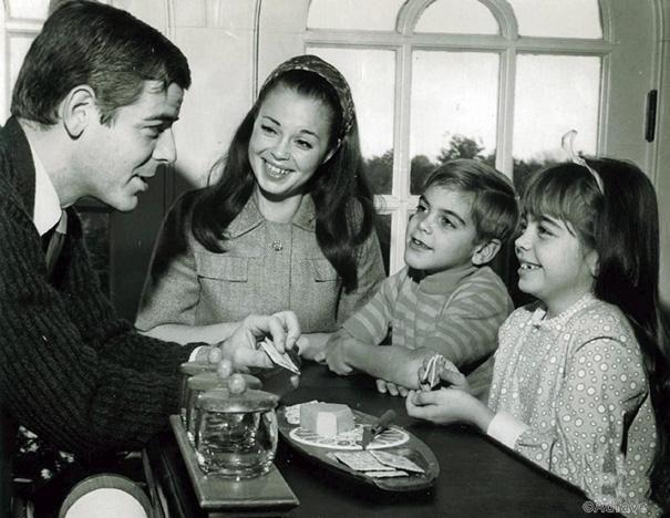 7-летний Джордж Клуни со своей семьей в 1968 году