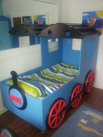 Best 25 train bed ideas on pinterest boys train room train bedroom and train room for Toddler train bedroom