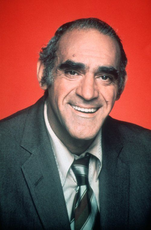 Nai'zyy Abe Vigoda - Actor (The Godfather).