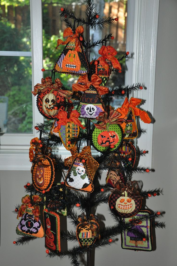 Halloween glass ornaments - Halloween Tree With Creepy Characters By Needle Deeva Stitch By Robin King