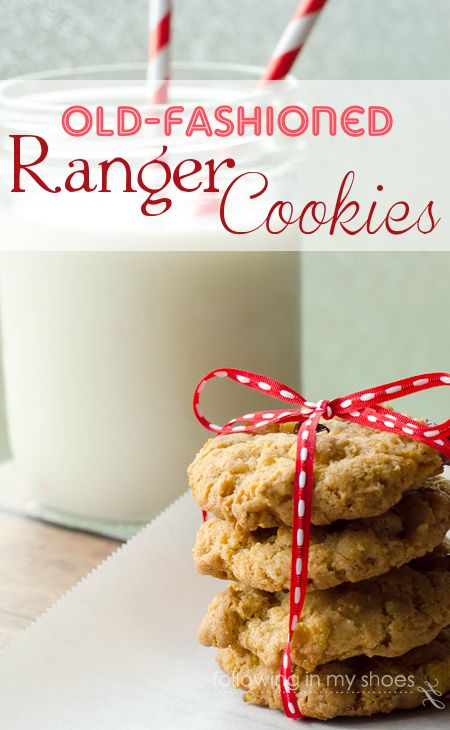 Old Fashioned Ranger Cookies [Following in My Shoes] // I love that these have Rice Krispies in them!