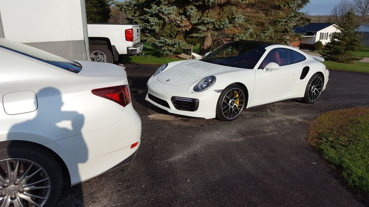 OK one more pic and I'm done. Woke up to this. #Porsche #porsche911 #porschelife #cayenne #cars #car